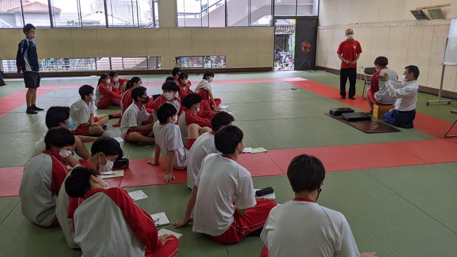 東百舌鳥高校スポーツ選択授業_210519_16.jpg