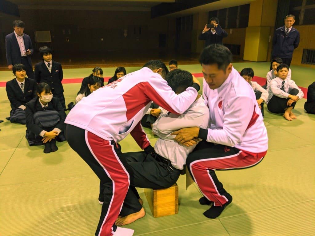関西福祉科学大学高校日本拳法部ガイダンス_191126_0057-1024x768.jpg