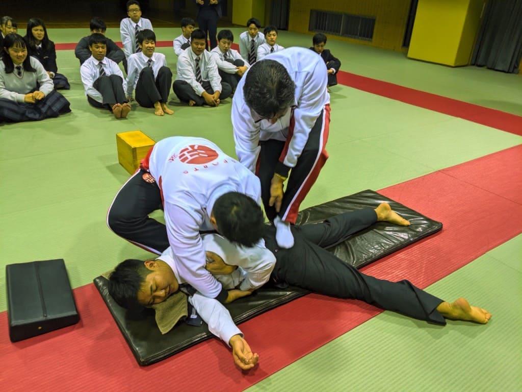 関西福祉科学大学高校日本拳法部ガイダンス_191126_0058-1024x768.jpg