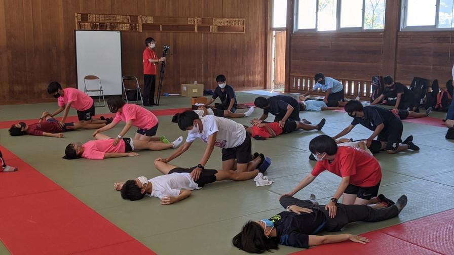 LINE_ALBUM_西宮北高校陸上部テニス部ガイダンス_210906_47.jpg