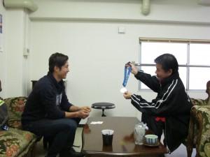 成田緑夢選手と小林理事長