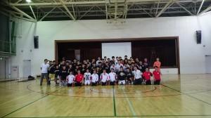 大阪学院バスケット部全員で記念写真